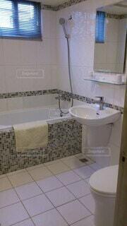 ホテルのバスルームの写真・画像素材[3710627]