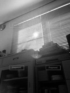 窓からの光の写真・画像素材[3718102]