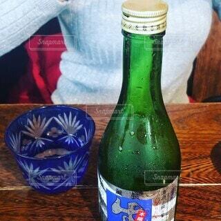 美女とお酒の写真・画像素材[3718264]