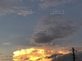 空の雲の群の写真・画像素材[3719619]