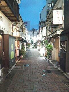 下町情緒の裏路地の写真・画像素材[3720225]