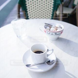 テラスでコーヒータイムの写真・画像素材[3723611]