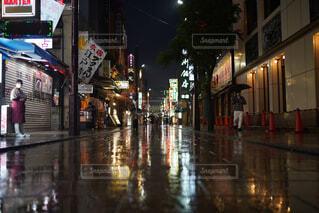 雨の中華街の写真・画像素材[4445072]