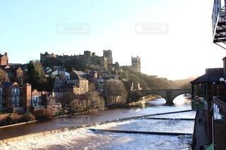都市を流れる川の写真・画像素材[3758443]