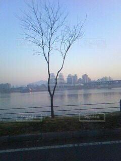 川と都市の写真・画像素材[3728001]