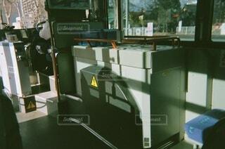 バスの中の写真・画像素材[3935255]