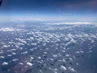 海の上の雲の写真・画像素材[3736156]