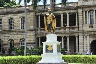 ハワイ カメハメハ大王像の写真・画像素材[3743157]