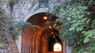 トンネルの入口の写真・画像素材[3804199]