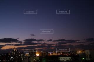 夜間近の写真・画像素材[4120343]