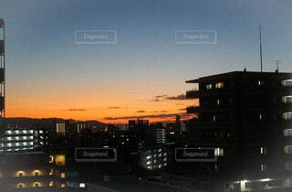 マンションからの夕焼けの写真・画像素材[4120344]