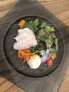 とあるカフェのサラダ前菜2の写真・画像素材[3746819]
