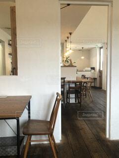 とあるカフェのテーブルの写真・画像素材[3746817]