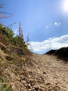 登り坂、先が気になる一枚の写真・画像素材[3869294]
