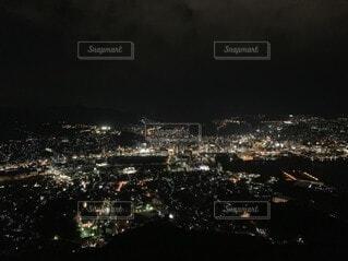 夜の都市の眺めの写真・画像素材[3743485]