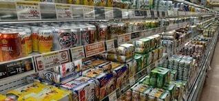 アルコールコーナーの写真・画像素材[3759706]