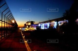 夜の都市の眺めの写真・画像素材[3960025]