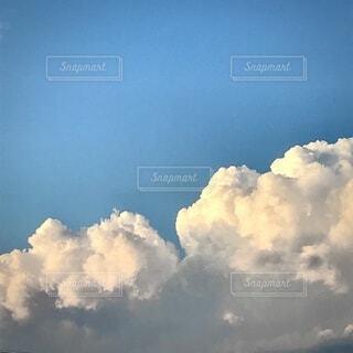 空の雲の写真・画像素材[3756518]