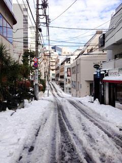 都心の雪道の写真・画像素材[4837195]