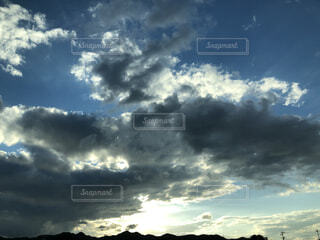 空の雲の群の写真・画像素材[3777999]