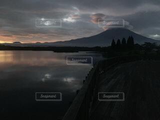奇跡的に撮れた富士山の写真・画像素材[3767540]