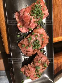 期間限定 肉寿司の写真・画像素材[3812368]