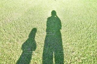 親子の影の写真・画像素材[3824134]