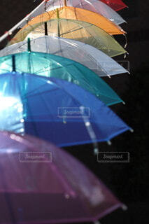 カラフルな傘の写真・画像素材[4677128]