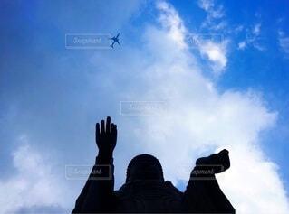 大仏様と飛行機の写真・画像素材[3826487]