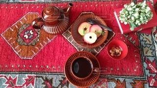 絨毯でお茶の写真・画像素材[3948394]