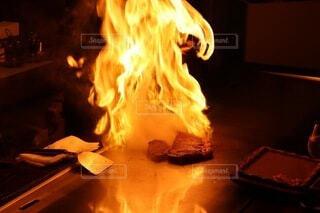 湯本のステーキハウス吉池のランチ、鉄板焼きのステーキの写真・画像素材[3866873]
