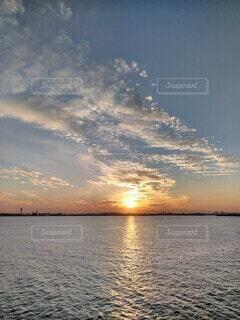 夕暮れの光の道。の写真・画像素材[3854024]