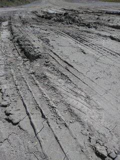 デコボコの道の写真・画像素材[4361448]