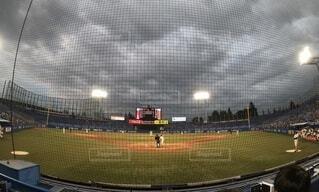 野球の試合を見ている大勢の人々の写真・画像素材[3845156]