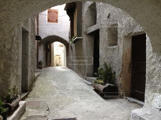 イタリアの路地の写真・画像素材[3846378]