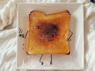 やさぐれ食パン。の写真・画像素材[3857547]