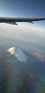 飛行機から見た富士山の写真・画像素材[3925338]