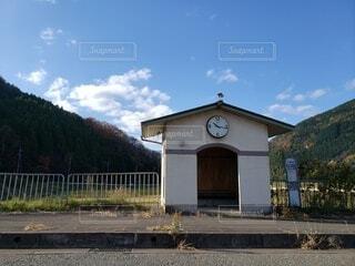田舎のバス停の写真・画像素材[3958060]