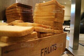朝食のパンの写真・画像素材[3873503]