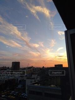 秋の日の夕焼けの写真・画像素材[3877409]