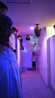 生首が置いてある怖いトイレの写真・画像素材[3896456]