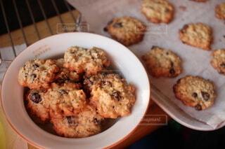 手作りチョコチップクッキーの写真・画像素材[4816817]