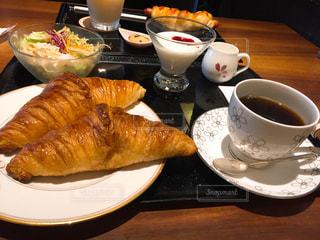 食品とコーヒーのカップのプレート - No.720213