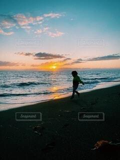 秋の海空の写真・画像素材[3972434]