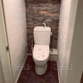 トイレを男前なブルックリンスタイルにリノベーションの写真・画像素材[908718]