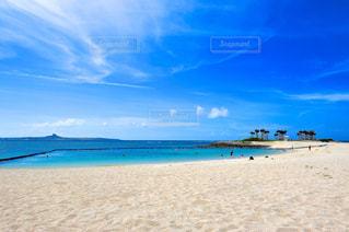 真夏のエメラルドビーチの写真・画像素材[165045]