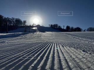 雪山と朝日の写真・画像素材[3929715]