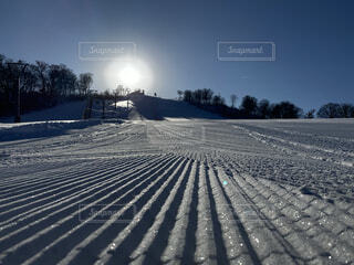 雪山と朝日の写真・画像素材[3929714]