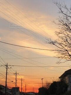 切なくなる秋の夕焼けの写真・画像素材[3936321]