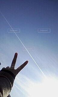 10年以上前の飛行機雲の写真・画像素材[3965260]